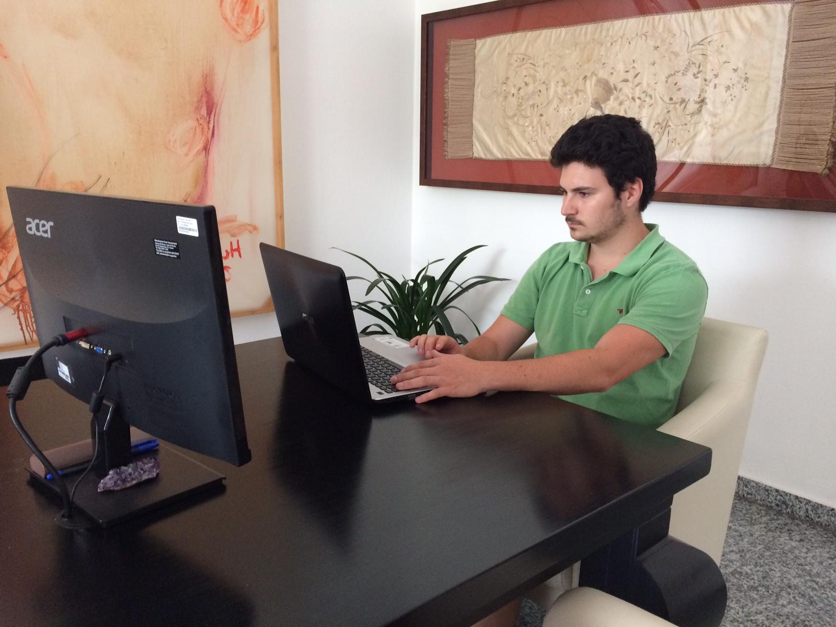 Paul bei der Arbeit an einer WordPress Website